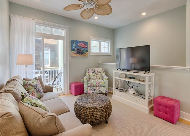 Lookouts #13 | Brand new home in the heart of Atlantic Beach!!! Enjoy the fun of the Circle!