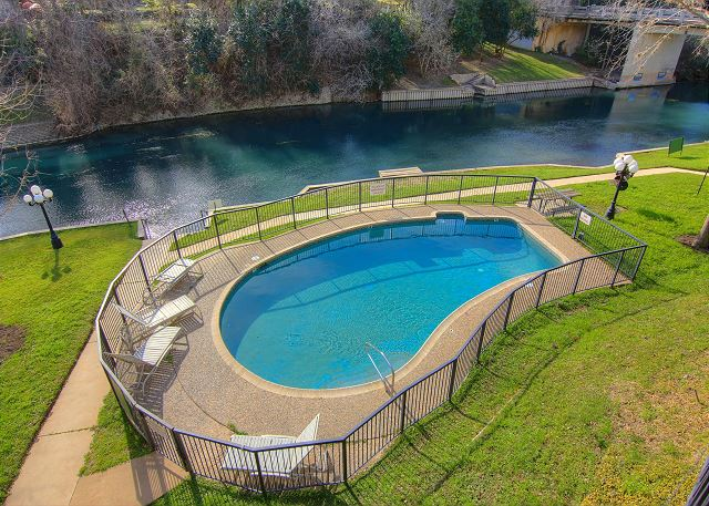 New braunfels tx united states river safari ic303 - 2 bedroom suites in new braunfels tx ...
