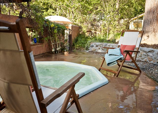 Take a dip in the spa & enjoy all the nature Idyllwild has to offer.