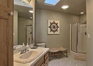 2nd floor shared bathroom