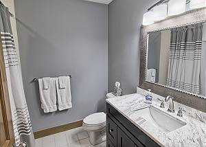 En Suite Full Master Bathroom