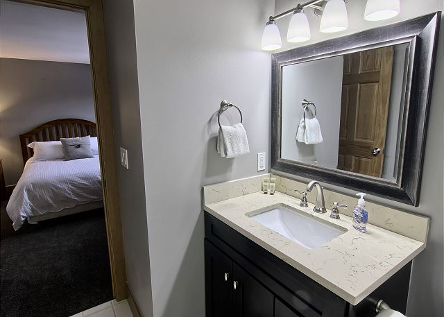Top Floor En Suite Bathroom