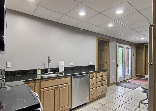 Full Kitchen - Lower Level Walkout