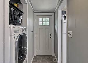 Combination washer and dryer
