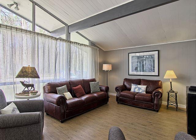 Large Great Room With Ample Seating
