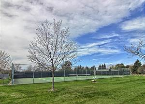 Tennis courts for guests use