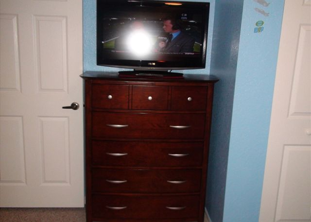 TV on third bedroom