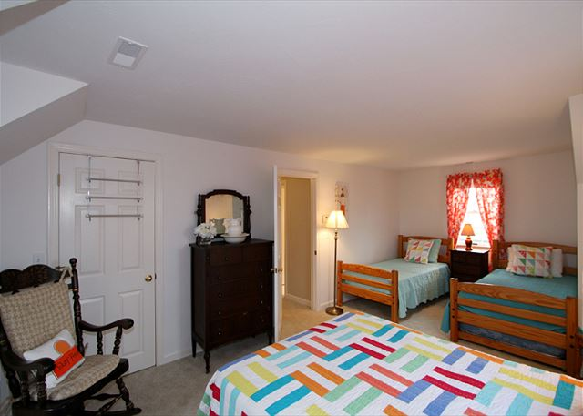 Bedroom 2 alternate view