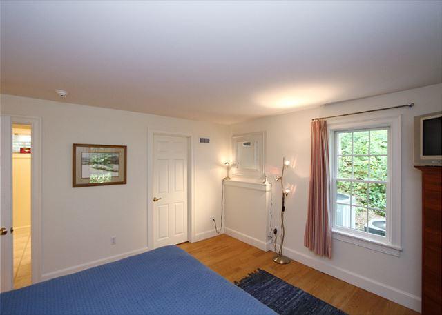 Lower Level Private Bonus Room (alternate view)
