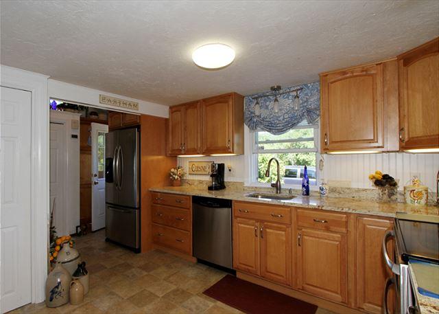 Kitchen (alternate view)