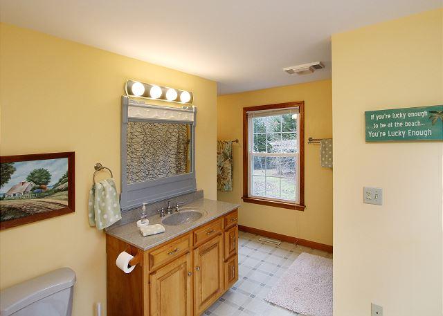 First Floor Bath View 2