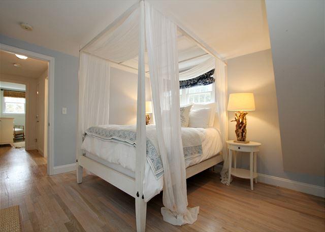 Main Bedroom (alternate view)