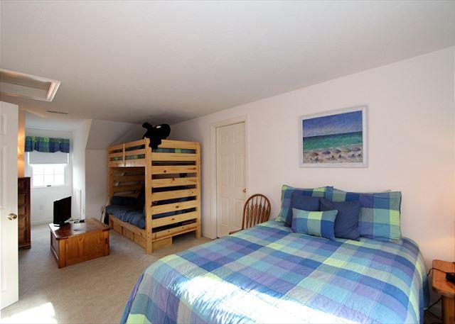 Bedroom 3 alternate view