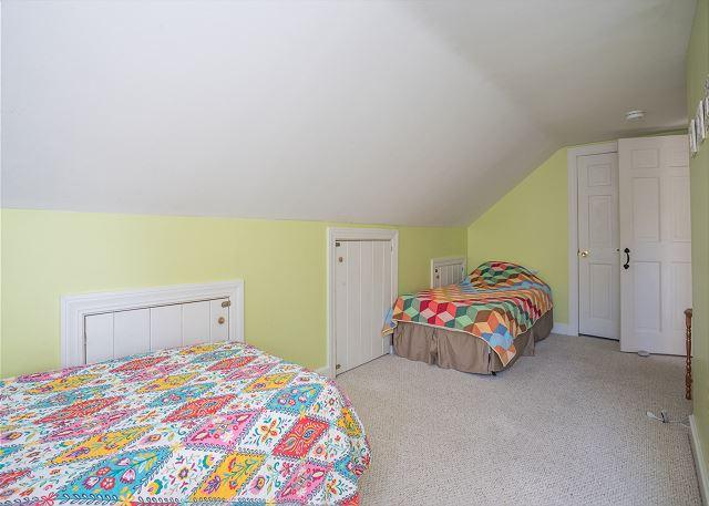 Bedroom 4: 2 Twin