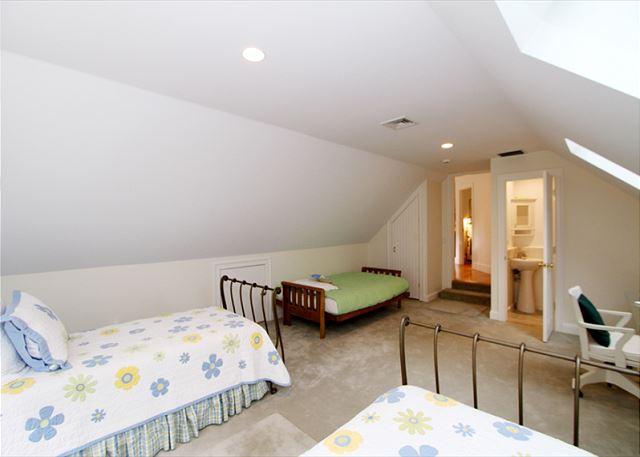 2nd Floor Bonus Room (alternate view)
