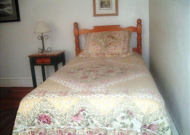 Guest Bedroom (alternate view)