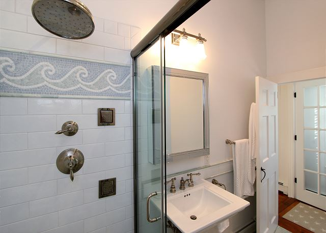 Bath near Queen Bedroom