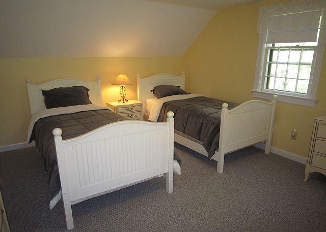Bedroom 3 - twins