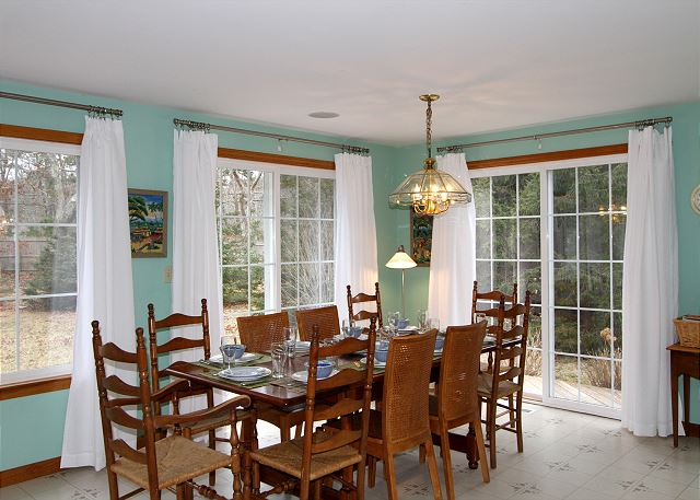 Dining Area (alternate view)