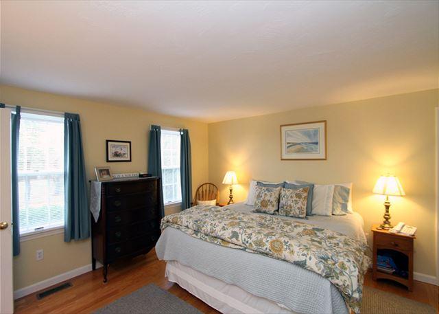 Bedroom 1 alternate view