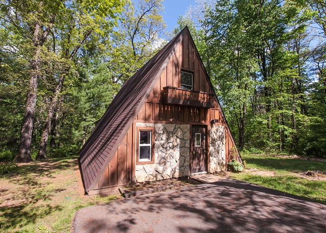 Old Man S Cave Zip Code : Logan oh united states a frame romantic escape