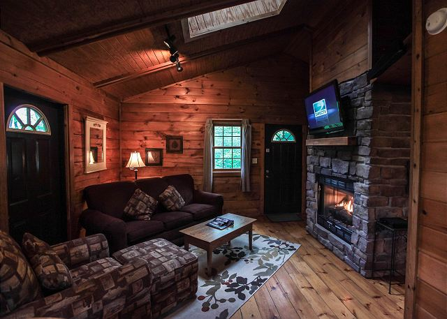 Old Man S Cave Zip Code : Hemlock cabin hocking hills cabins old man s cave chalets