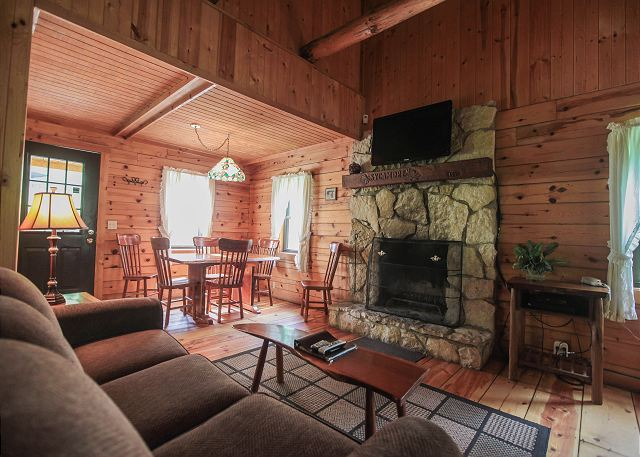 Old Man S Cave Zip Code : Sycamore cabin hocking hills cabins old man s cave chalets
