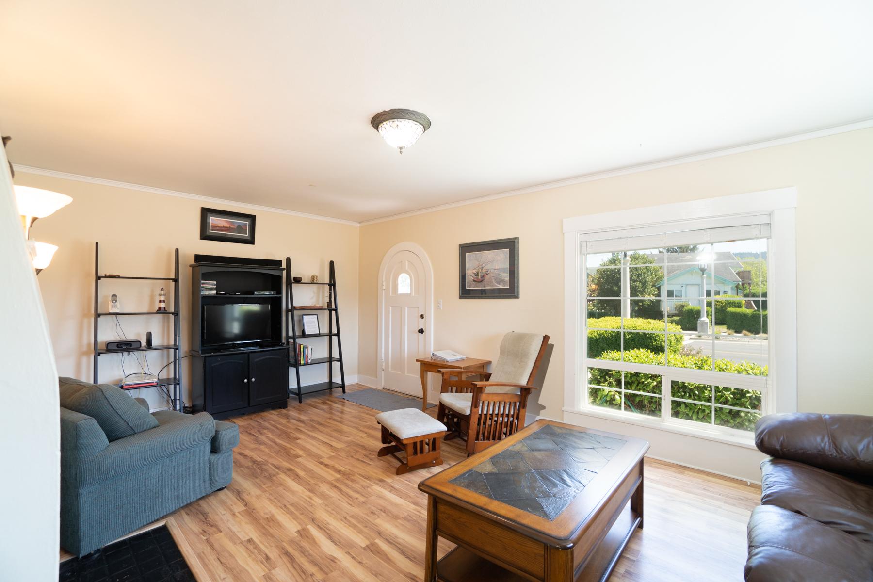 Super Seaside Cottage Oregon Beach Vacation Rentals Home Interior And Landscaping Spoatsignezvosmurscom