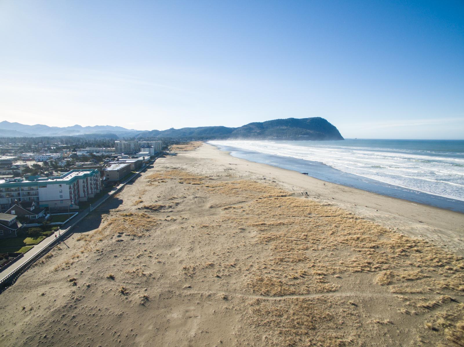 Fabulous Orca Beach House Oregon Beach Vacation Rentals Home Interior And Landscaping Ologienasavecom