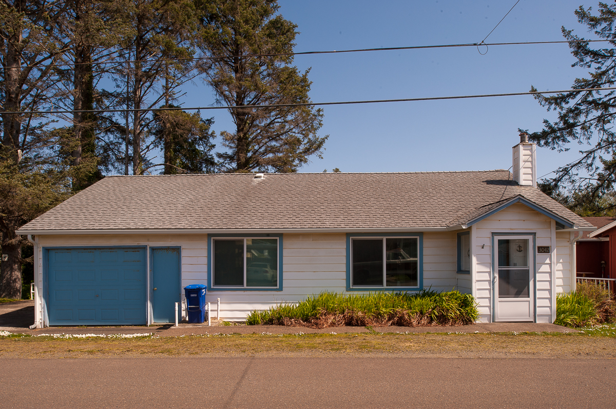 the lighthouse in lincoln city oregon beach vacation rentals rh oregonbeachvacations com
