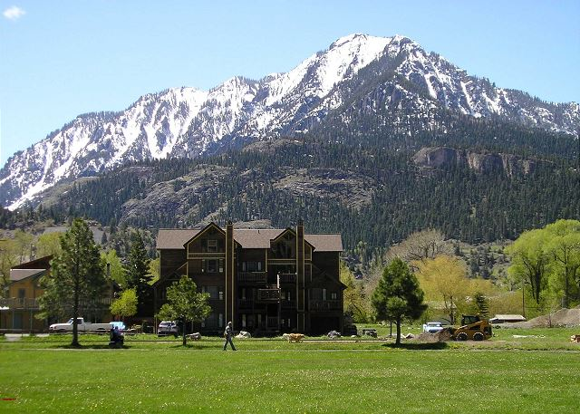 Ideal Location - Near Fellin Park and the Ouray Hot Springs - Pet Friendly