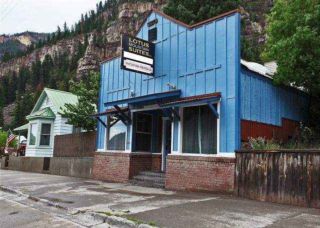 Luxurious Historic Suite - Air Conditioning! - Heart of Downtown Ouray