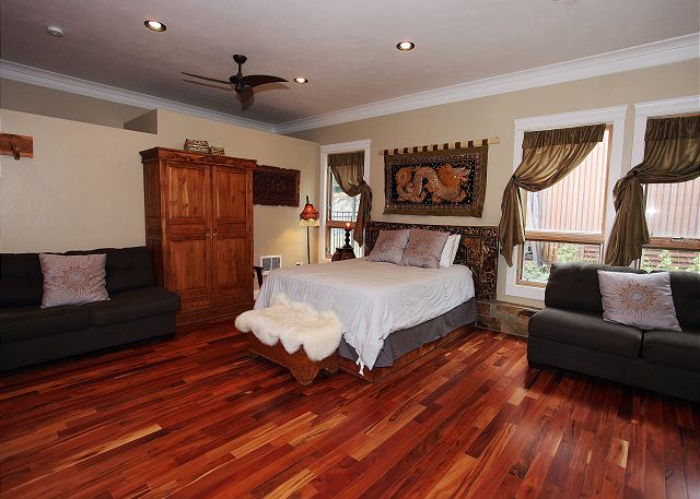 Luxury Suite - Air Conditioning! - Downtown Ouray - On Main Street