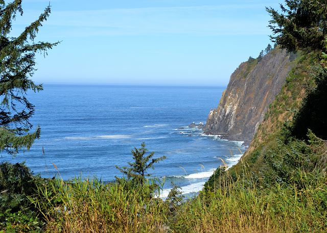 View off the back deck of Neah-Kah-Nie Mountain and Pacific Ocean