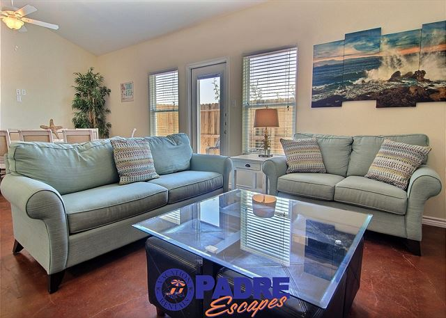 Comfy living area to enjoy with family and friends
