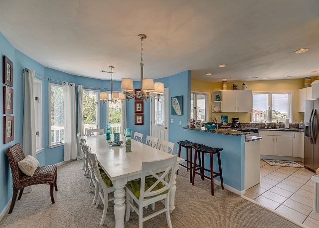 Dining Area top level of Sandy Heels, a 4 bedroom, 3.5 bathroom vacation rental in Corolla, NC