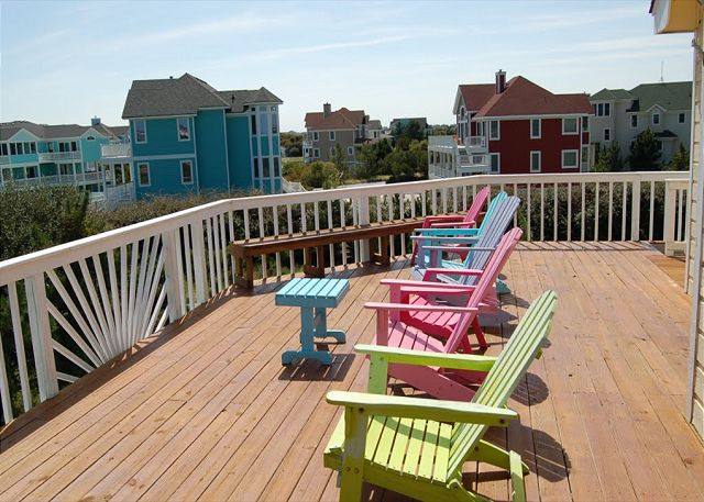 Upper Deck of Neely's Beach Music, a 5 bedroom, 3.5 bathroom vacation rental in Corolla, NC