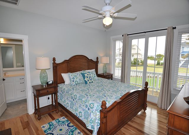 2nd King Master Bedroom Mid Level of Forever 409, a 6 bedroom, 5.5 bathroom vacation rental in Corolla, NC