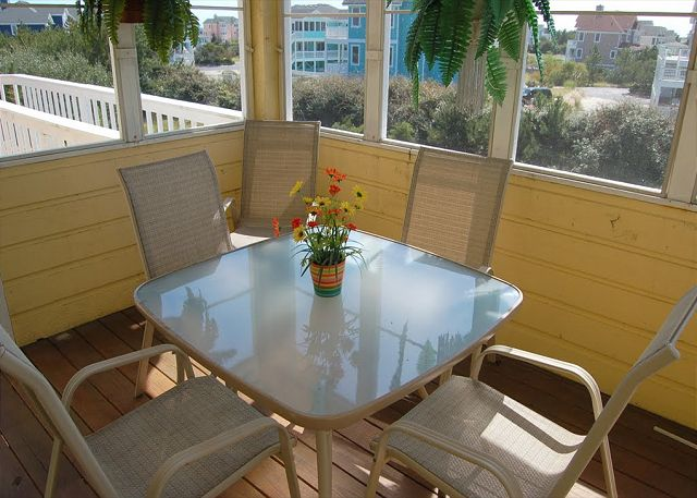Sceen Porch of Neely's Beach Music, a 5 bedroom, 3.5 bathroom vacation rental in Corolla, NC