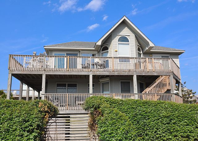 Time to Coast Time To Coast is a 6 bedroom, 4.5 bathroom vacation rental in Corolla, NC