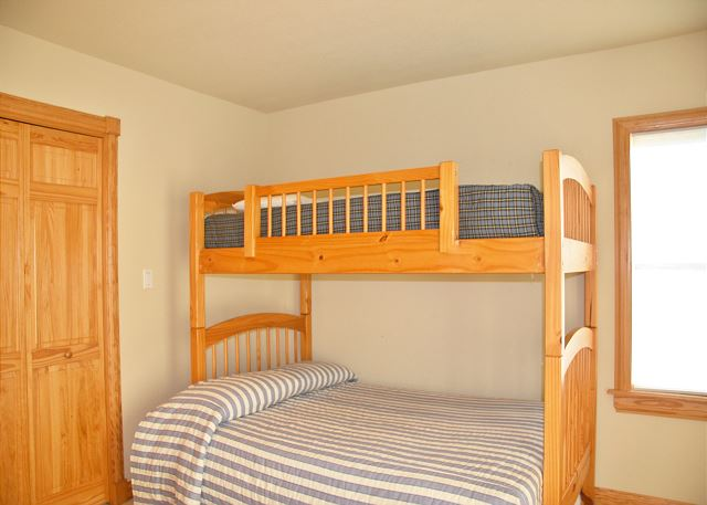 2nd Pyramid Bunk Room with Trundle Mid Level of A Perfect 10, a 6 bedroom, 5.5 bathroom vacation rental in Corolla, NC