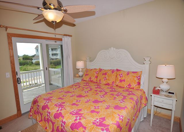 4th King Master Midlevel of Sand Simeon, a 7 bedroom, 7.5 bathroom vacation rental in Corolla, NC