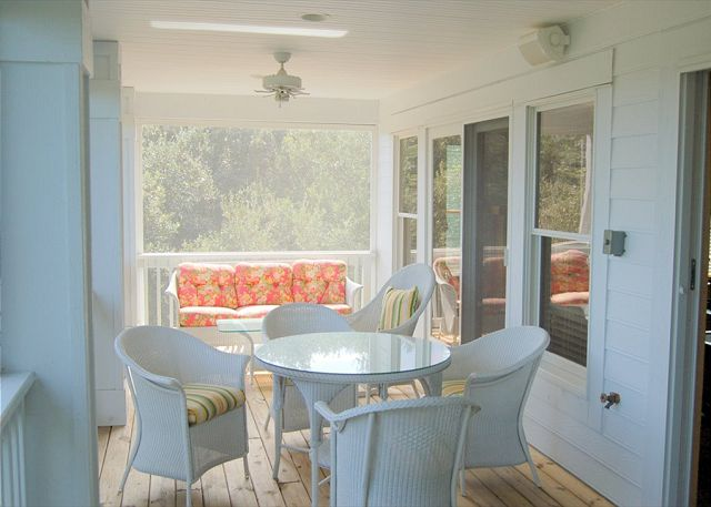Upper Deck of Southern Breeze, a 5 bedroom, 4.5 bathroom vacation rental in Corolla, NC