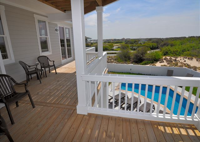 Midlevel Deck of Sandy Toes & Salty Kisses, a 11 bedroom, 9.5 bathroom vacation rental in Corolla, NC