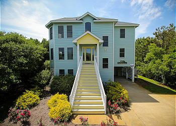 Sea the Green, an Outer Banks Vacation Rental in Corolla