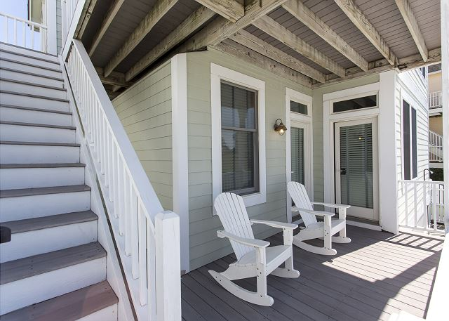 Side Porch - Entry Level