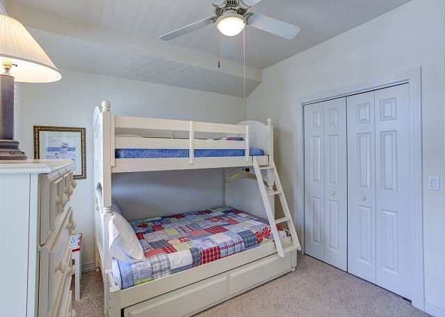 Pyramid Bunk Bedroom - Entry Level