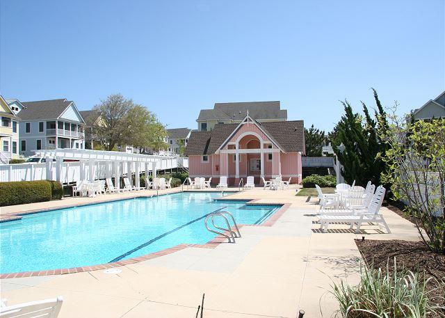 Hammocks Community Pool