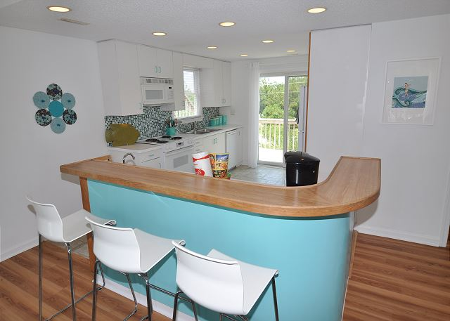 Bar Counter Top Level of Sunset Strip, a 5 bedroom, 3.0 bathroom vacation rental in Corolla, NC