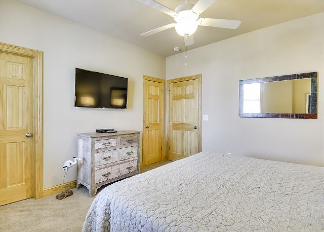 8th King Master Suite mid level